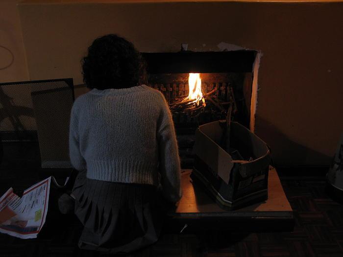 nina makes fire